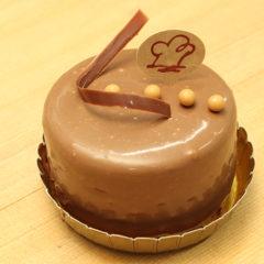 ミルクチョコとフランボアのケーキ